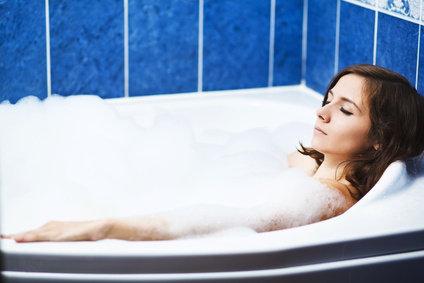relaxation bien etre confort femme bain mousse