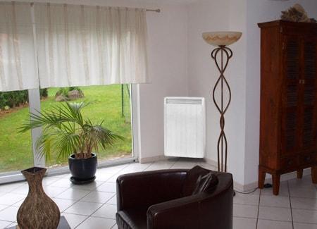 radiateur hauteur dans un angle du salon