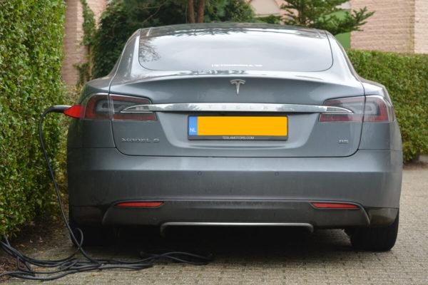 recharge d une voiture electrique a la maison